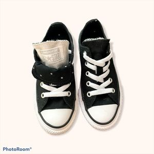 CONVERSE KIDS shoes black and white size 11